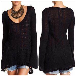 FREE PEOPLE BLACK OVERSIZED SWEATER V NECK